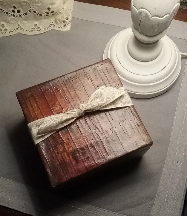 faux wood box